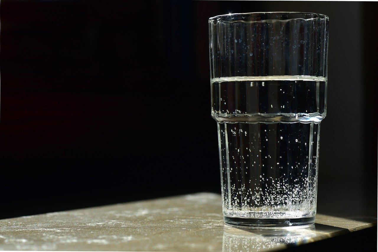 Como saber a hora de trocar o refil do filtro de água